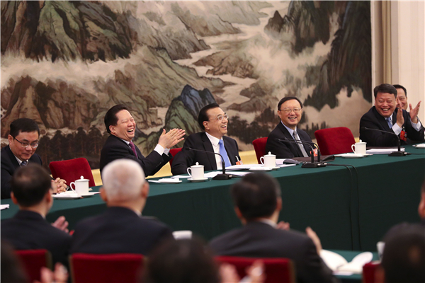 Premier Li joins panel discussion with NPC deputies from Liaoning:null