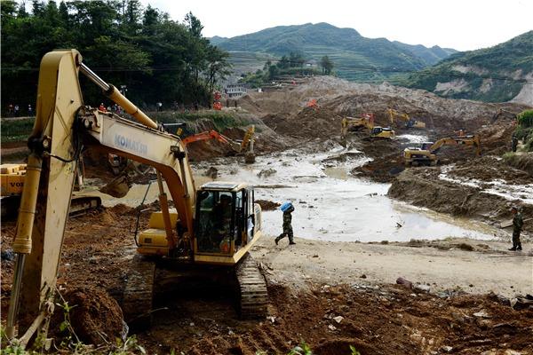 SW China landslide kills 22:null