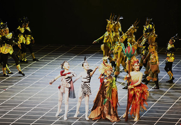 Young students perform in fairy tale musical:null