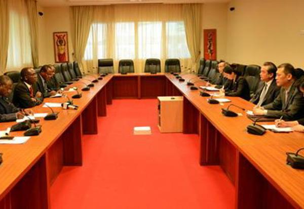DR Congo PM, Wang Yi meet on bilateral ties:null