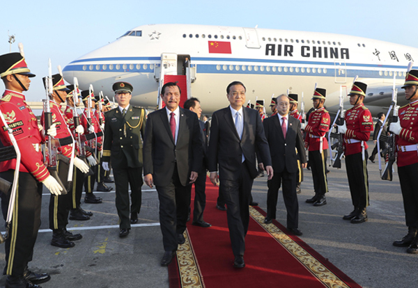 Premier Li Keqiang arrives in Indonesia for official visit:null