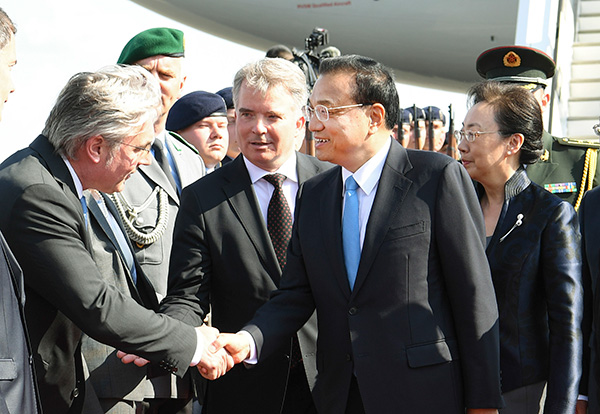 Premier arrives in Germany for intergovernmental consultations:null