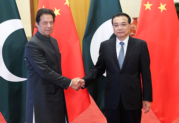China and Pakistan agree to further boost ties:null