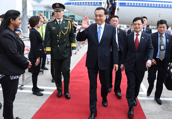 Premier arrives in Singapore for visit, East Asia cooperation:null