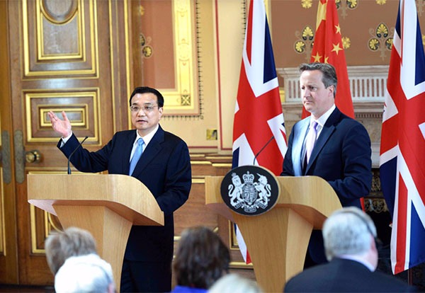 Premier Li, Cameron hold joint news conference:null