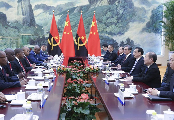 Premier Li encourages Chinese companies to invest in Angola:null