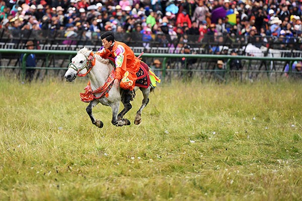 12th Gesar horse racing festival opens in Maqu county, NW China's Gansu:null