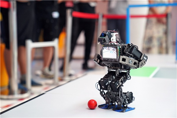2019 Intl Competition of Autonomous Walking Intelligent Robots kicks off in Beijing:null