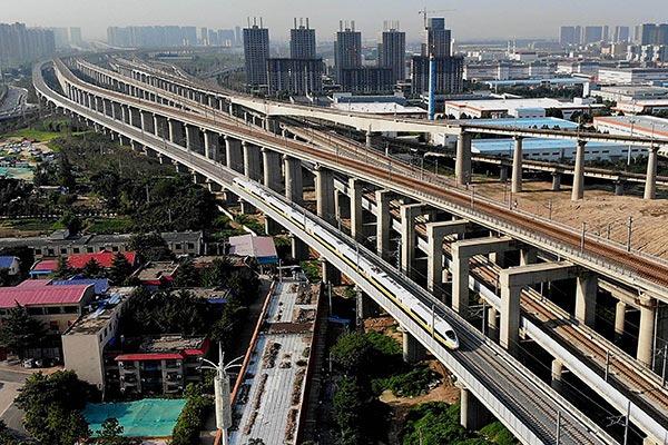 Henan section of Zhengzhou-Fuyang railway starts joint test:null