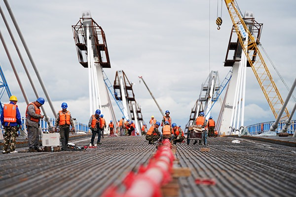 First highway bridge connecting China and Russia under construction:null