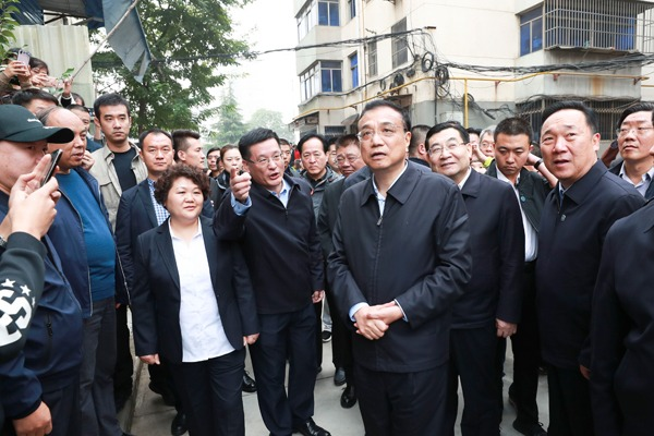 Premier visits older community in NW China:null