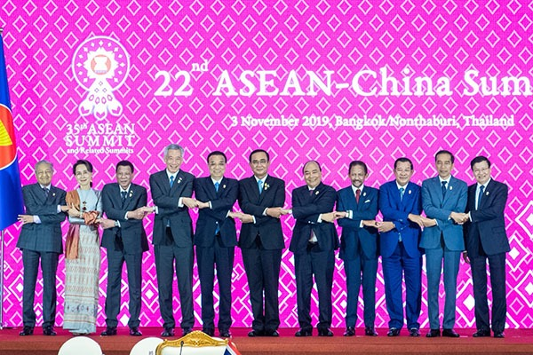 Premier Li urges China, ASEAN to uphold multilateralism, free trade:null