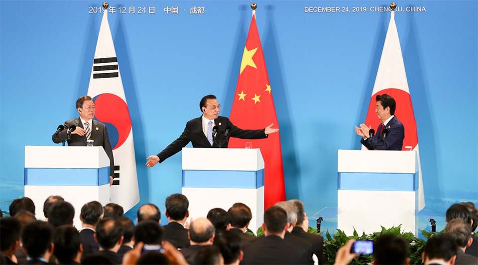 Premier Li, Moon, Abe meet press:2