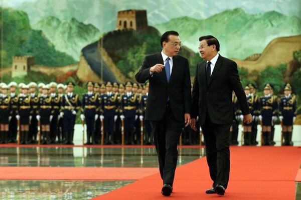 Premier Li welcomes Laotian PM:null