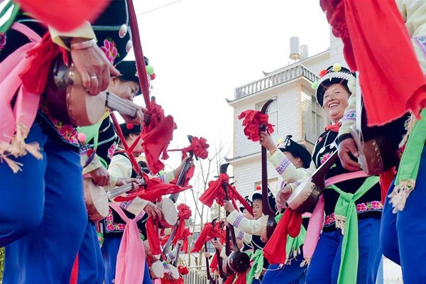 Villagers rehearse for gala in celebration of upcoming Chinese Lunar New Year:null