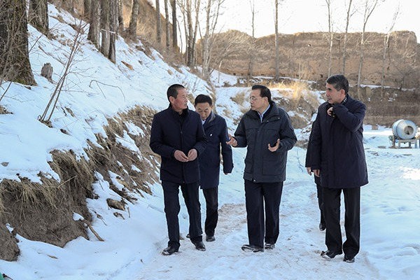 Premier Li wishes prosperity for Qinghai villagers:null