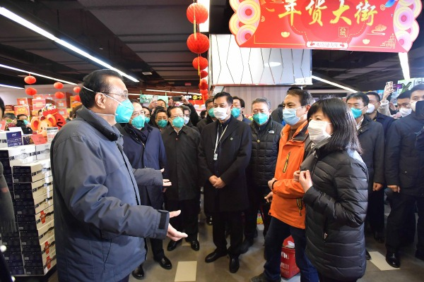 Premier inspects supermarket in Wuhan:null