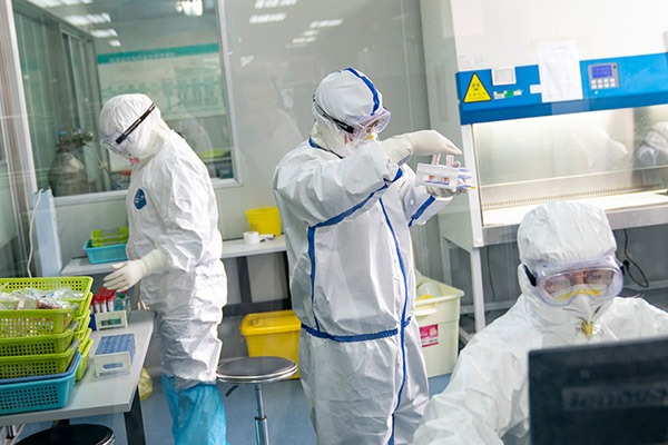 Laboratory in Wuhan conducts non-stop detection service:null