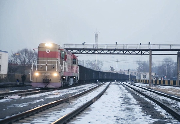 Sino-European freight trains run again amid epidemic outbreak:0