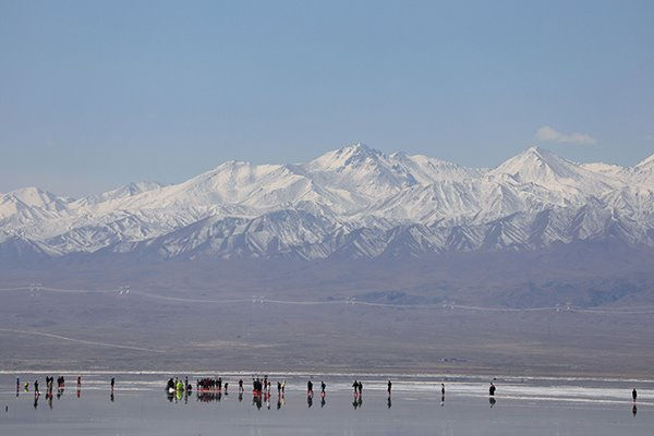 Caka Salt Lake scenic area in Qinghai reopens to public:null