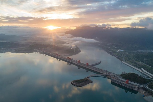 View of Three Gorges Dam in Hubei:null