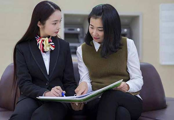 China's State-owned banks expand college graduate hiring:0