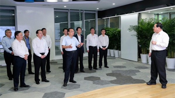 Premier Li inspects Shanghai