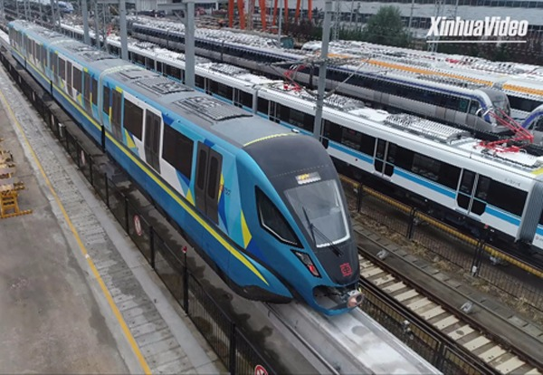 China-made eco-friendly monorail train completes test run:0