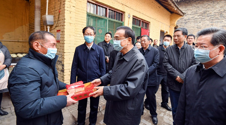Premier brings holiday presents to locals in Shanxi:2