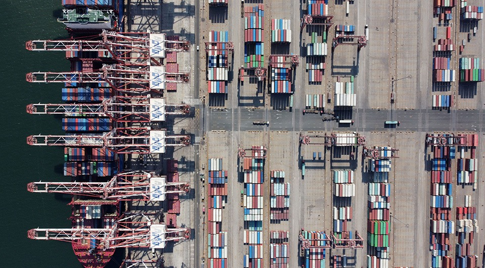 China's foreign trade surges in Q1 amid continued social, economic development:1