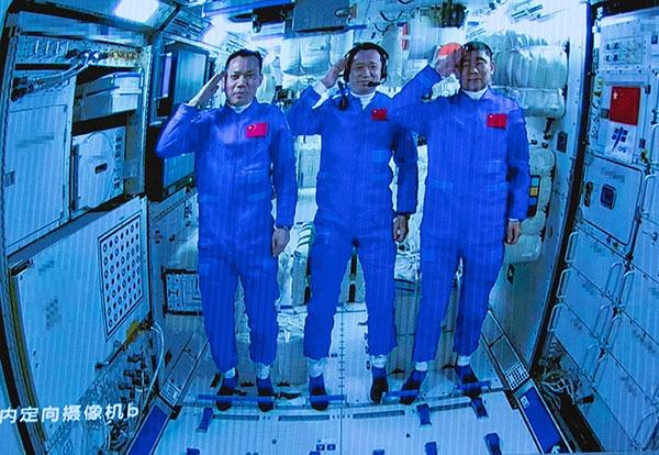 Shenzhou-12 astronauts enter space station core module:0