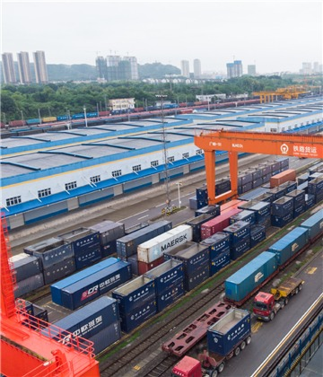 China's logistics sector booming as foreign trade expands