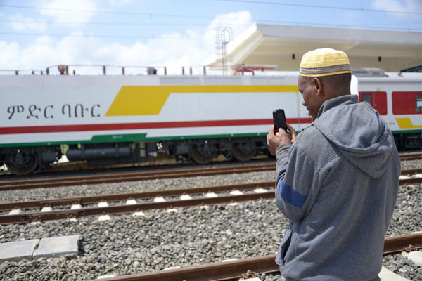 Chinese-built railway helps Ethiopia speed up industrialization