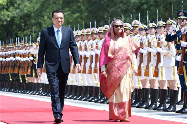 Premier Li meets with Bangladeshi prime minister